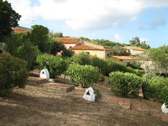 Club Esse Porto Rafael Altura: Wie ein kleines Dorf schmiegt sich die Hotelanlage an den Hang