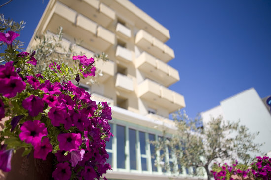 Viserbella, อิตาลี: Esterno Hotel