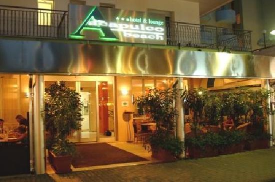 Acapulco Beach Hotel: ...