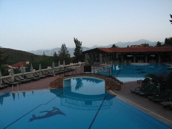 Royal Park Artemisia Club : Early morning view from bedroom