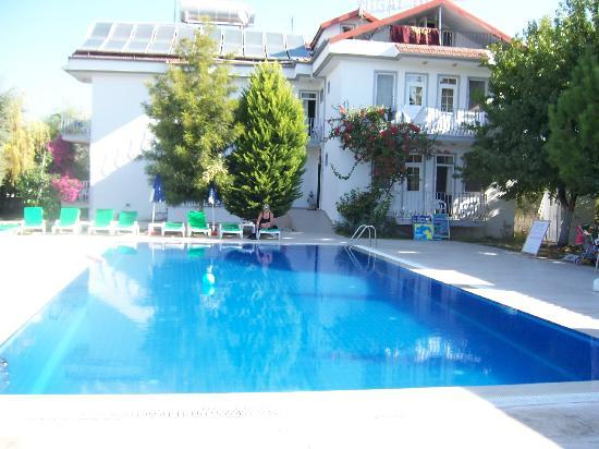Tugay Hotel: Hotel and swimming Pool