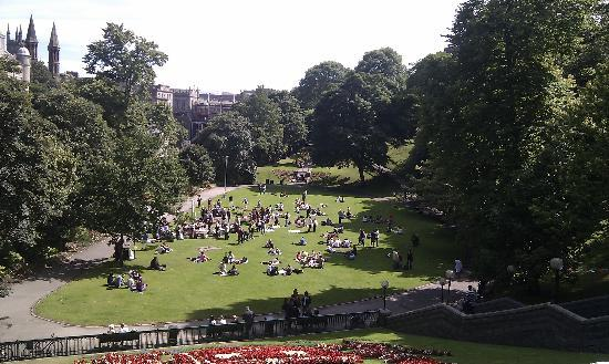 Union Terrace Gardens in the summer
