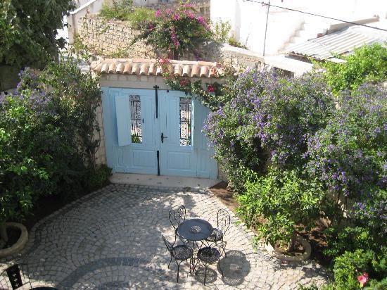 Incirliev Alacati: Incirliev Entrance Courtyard