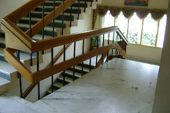 Hotel Grand Palace: 階段(エレベータは無い)