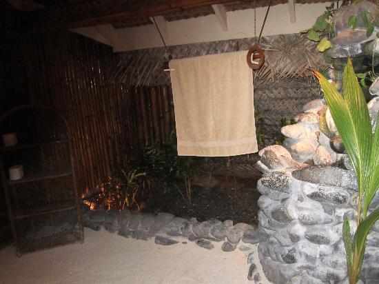 Coolest Bathroom Ever coolest bathroom ever - picture of bloody mary's, bora bora