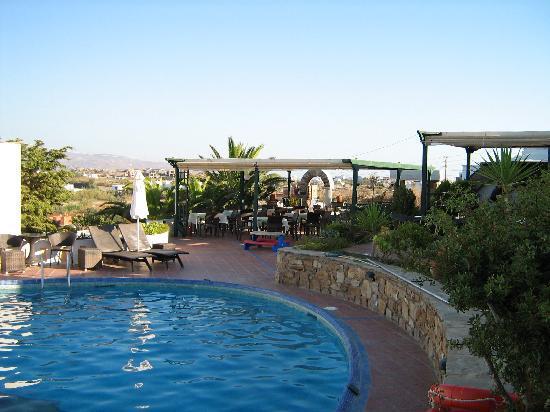 Naxos Magic Village: Terrasse pour le dîner
