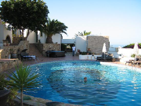 Naxos Magic Village: Piscine de l'hotel