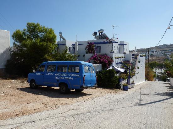 Villa Galini: Hotel Galini und der Kleinbus