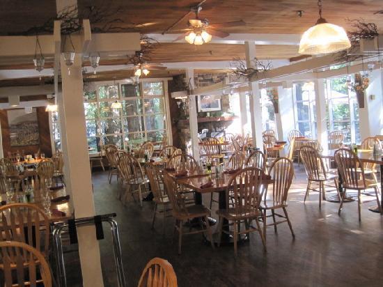 Big Sur Lodge: Lodge restaurant