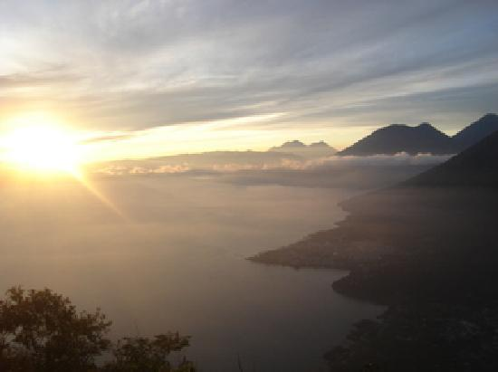 กัวเตมาลา: Lake Atitlan, Place of spirits