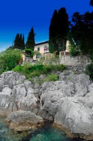 Hotel Villa Ariston: View from the sea