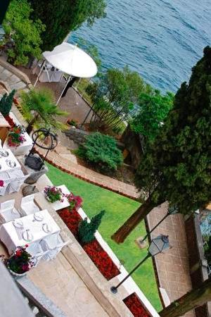 Terrace bild von hotel villa ariston opatija tripadvisor for Terrace villa hotel kutus