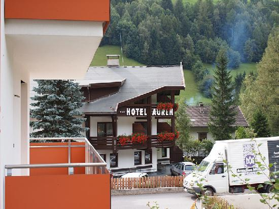 Auren Hotel : Blick vom Nachbarhaus aufs Hotel