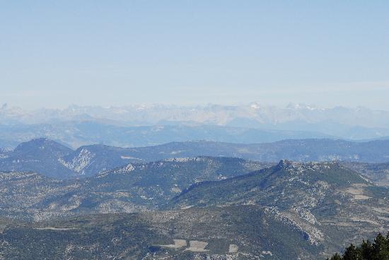 Vaison-la-Romaine, France : Fernsicht mit Alpen