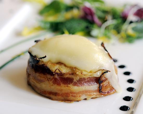 Restaurant A L'Agneau D'Or : Restaurant à l'Agneau d'Or - Gratin de choucroute