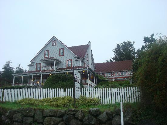 Orcas Hotel: Hotel exterior