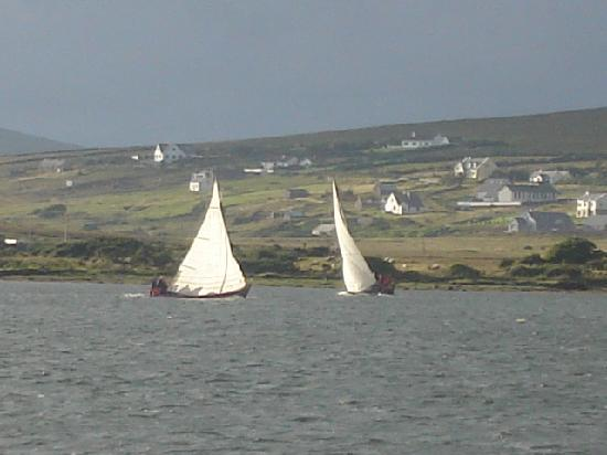 "Achill Sound Hotel (Ostan Gob a'Choire) : ""Yawl"" Sailing Races every Summer"
