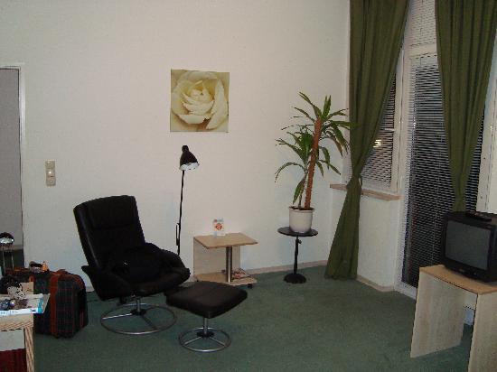 enjoy hotel Berlin City Messe : La habitación