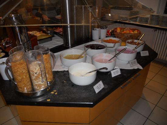 enjoy hotel Berlin City Messe : El buffet desayuno (II)