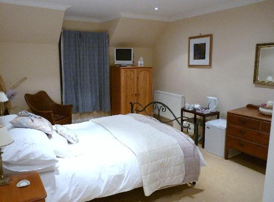 Glenuig House Bed & Breakfast: Big room