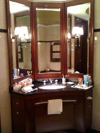 Hotel Adlon Kempinski: One Of The Two Dressing Areas