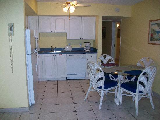 Grand Lake Resort: Full kitchen