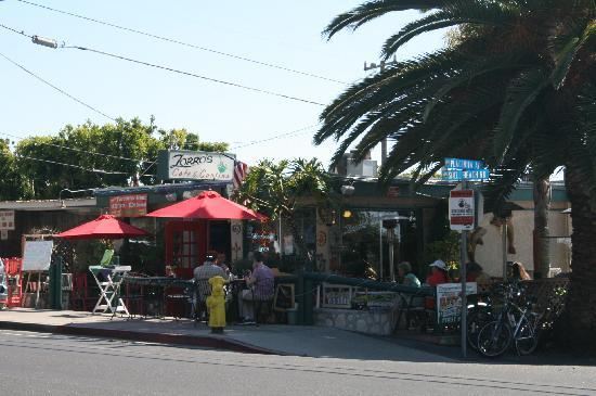 Shell Beach, Californien: Zorro's Cafe busy as usual