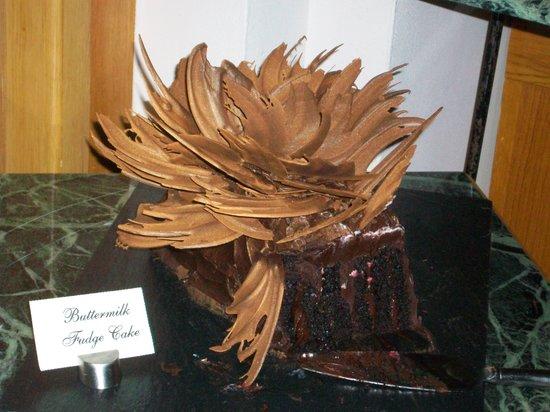 Cascade American Bistro: Chocolate cake