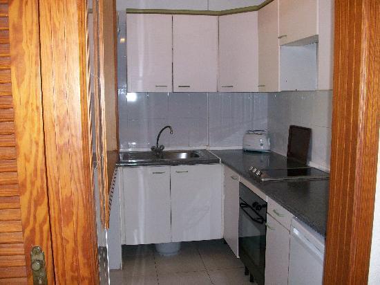 Aparthotel Parque de la Paz: Kitchen