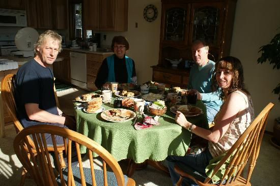 Paula's Place B&B: breakfast and a chat with Paula - second left