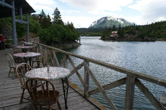 Paula's Place B&B: restuarant at Halibut Cove
