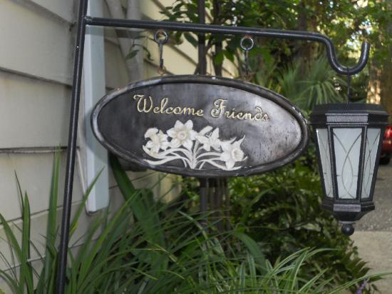 Lavender and Lace Bed and Breakfast : warn