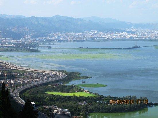 Kunming Lake