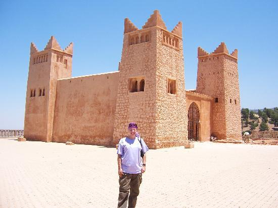 Beni Mellal, Marokko: Me in front of the castle