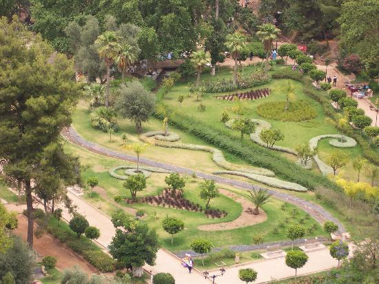 Beni Mellal, Maroc : View into the gardens from the castle