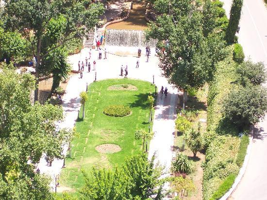 Beni Mellal, Fas: The gardens by the castle