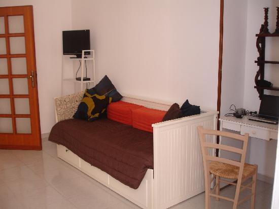 Camera Con Vista Apartments : sitting area