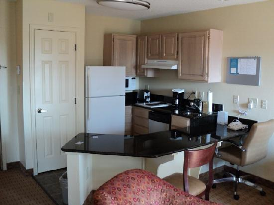 Hyatt House Herndon: kitchen, small but had everything needed