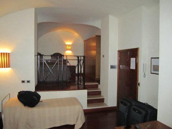 Residenza Lucina: Living room & Bedroom