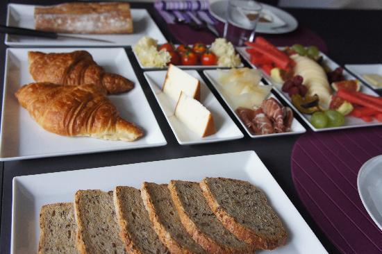 Bed & Breakfast Bouchardon : Breakfast at BBB