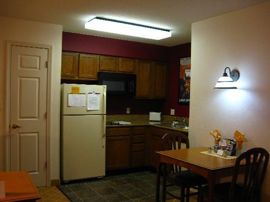 Residence Inn Boston Westford: Kitchen