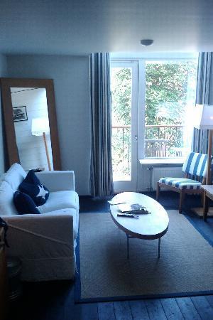 Hotel J : Nice, huge bed