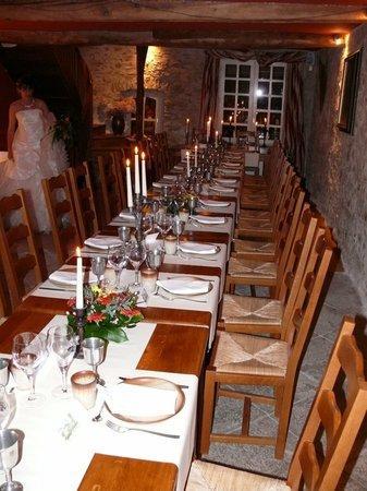 Auberge le Logis de Mirepoix : La salle du restaurant