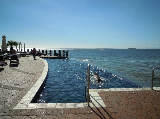 Radisson Blu Hotel Waterfront, Cape Town: Pool nähe des Meeres