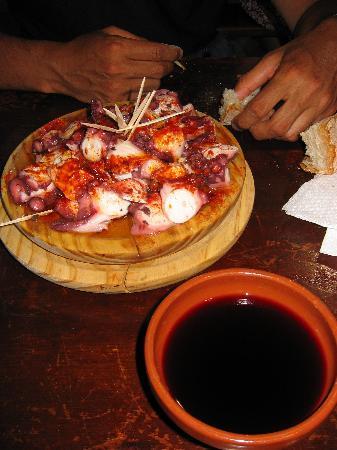 Pulperia Ezequiel : Pulpo and wine