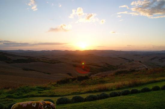 Podere Finerri: Perfect Sundowns