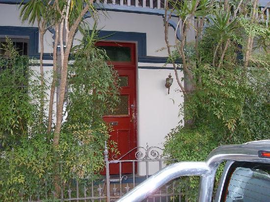 Billabong Gardens : front door to villa