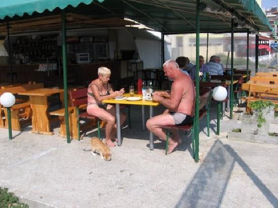 Hotel Sofi: Essen am Strand