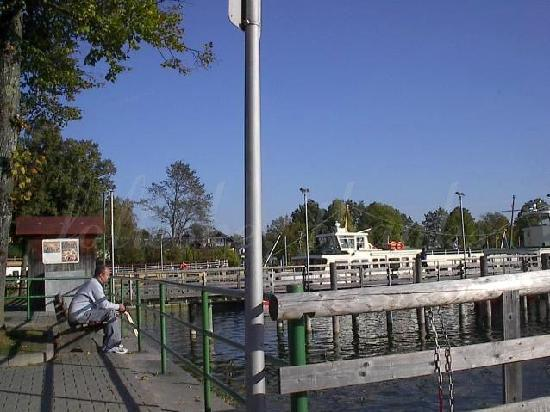 Prien am Chiemsee, Deutschland: waiting for the boat at the 'stock'
