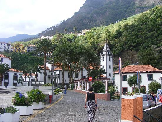 Der kleine Ortskern von Sao Vicente